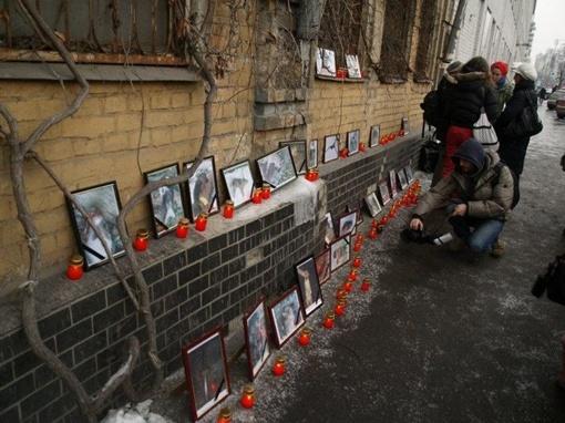 В эти выходные любители животных организуют акцию аналогичную прошедшей в Киеве - лампадки зажгут у памятника мячу.