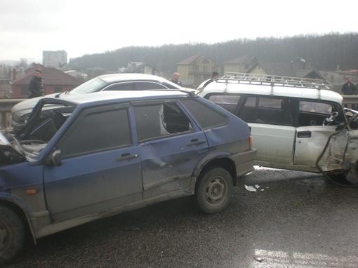 Пострадали 4 человека. Фото с сайта gai.kharkov.ua