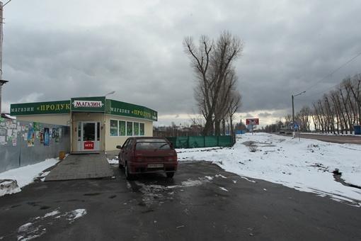 В сельский бутик жители украинской Рублевки наведываются редко