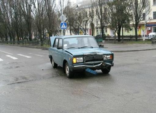 Милиционеры попали в ДТП. Фото: gorod.cn.ua
