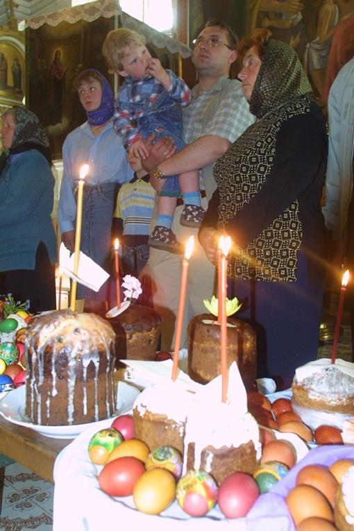 В епархии советуют не увлекаться и освящать только пасхальные продукты. Фото из архива