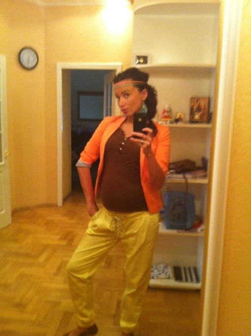 Даже во время беременности Марина старается выглядеть стильно. Фото с личной странички Марины в социальных сетях.