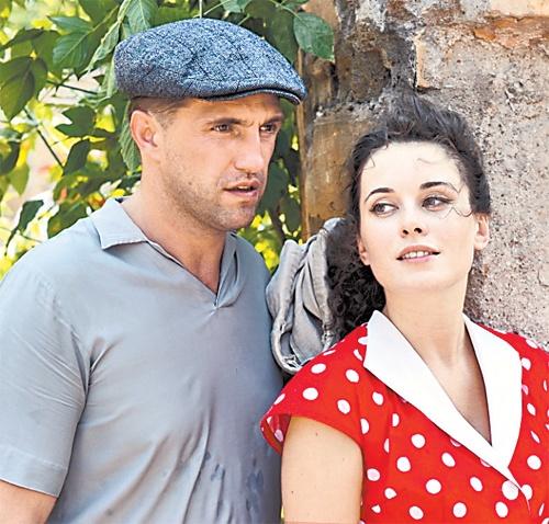 Исполнители главных ролей - Владимир Вдовиченков и Екатерина Олькина.