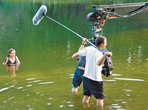 Украинские киношники попытались разгадать темную тайну озера Синевир.