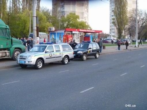 Транспорт силовиков. Фото: 048.ua