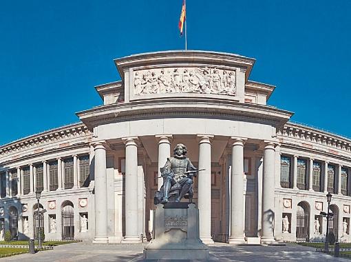Даже само здание музея - это памятник архитектуры.