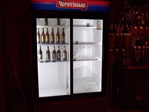 Немой свидетель драки – разбитый холодильник.
