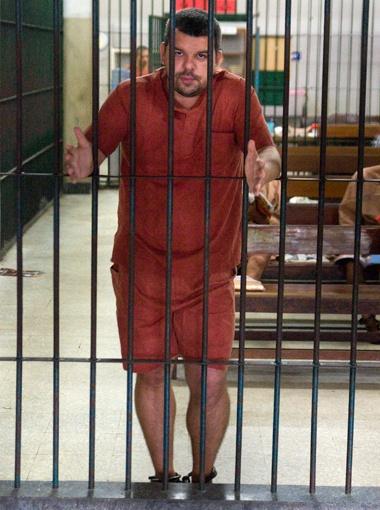 Харьковчанин уже четвертый год заключен в ножные кандалы в печально знаменитой тюрьме Бангкок-Хилтон.