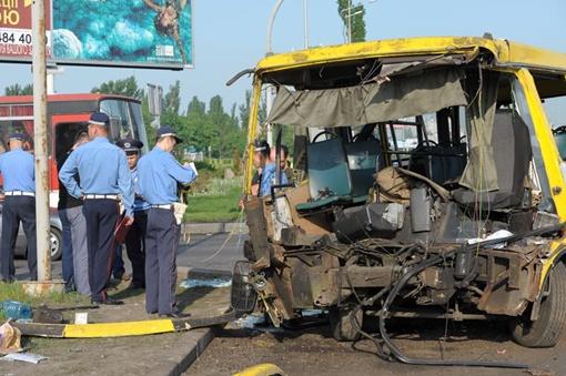 Шансов выжить у водителя было немного. Фото УГАИ в Киеве