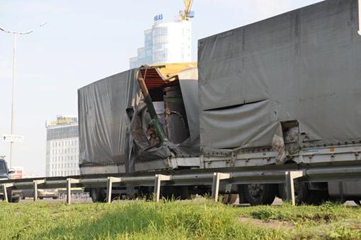 Поврежденная фура. Фото УГАИ Киева