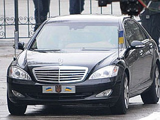 Личной машины у Янковича нет - только государственный