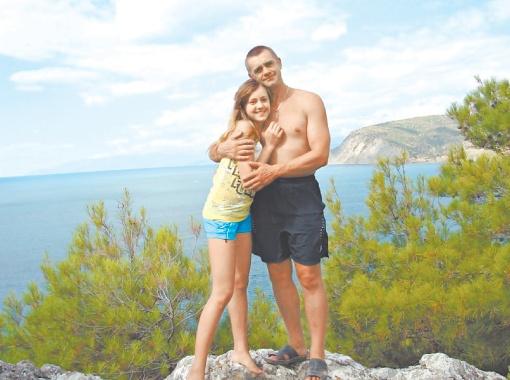 Погибший в Египте Андрей Перегинец мечтал, что его дочь Аня станет профессиональной пловчихой.
