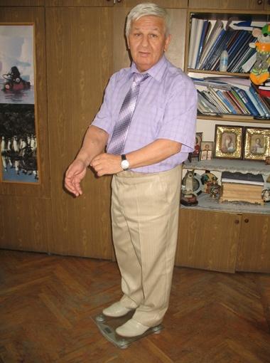 Украинский профессор Вячеслав Кузовик уже третий год живет без обеих почек. Его единственный шанс вернуться к нормальному существованию - новый закон, дающий право