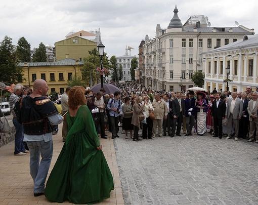 Андреевский открыли не вовремя, но с помпой. Фото: пресс-служба КГГА.