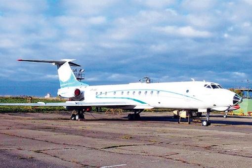 Самолету уже больше 25 лет - первый свой полет он совершил в июне 1987 года.