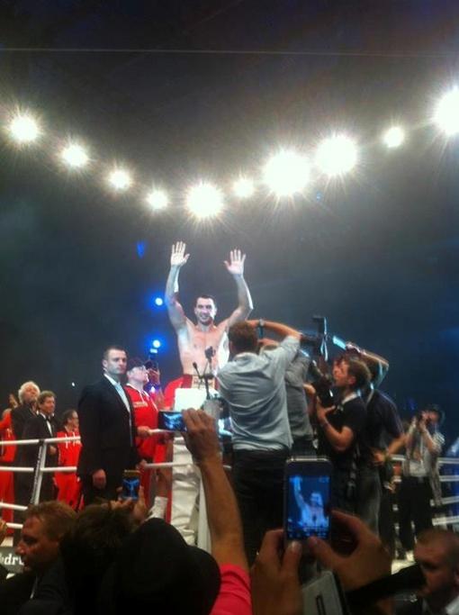 Прогнозируемый победитель, он же чемпион-триумфатор. Фото со странички Кличко в Facebook.com