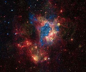 В галактике Большое Магелланово Облако есть множество молодых и очень массивных звезд. Фото НАСА