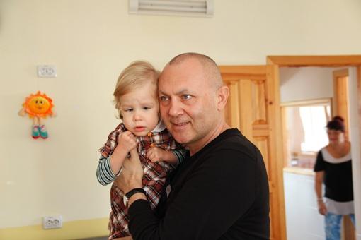 Роман Марабян мечтает о том, чтобы у каждого брошенного ребенка появилась новая семья. фото Романа Шупенко.