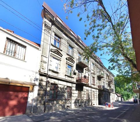 Здание находится в переулке Веры Инбер.