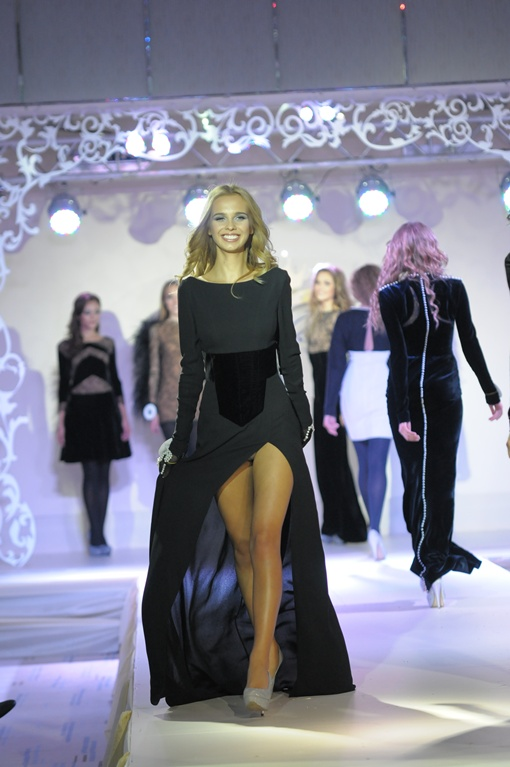 Настю Чернову пригласили на неделю Украинской моды, девушка представит новую коллекцию Андре Тана. Фото Андрея Мариенко.