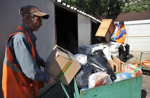 Если человека не устраивает установленный график вывоза отходов, можно попросить изменить его.
