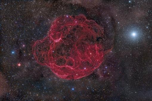 Объект Simeis 147 находится на расстоянии около 3 000 световых лет от Земли в созвездиях Тельца и Возничего. Фото НАСА