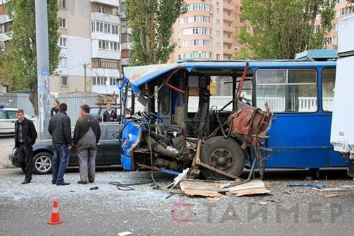 Свидетели утверждают, что двое водителей-лихачей устроили гонки на дороге. Фото с сайта timer.od.ua