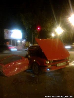Говорят, что водители чудом остался жив. Фото: Дмитрия Мирошниченко с сайта auto-mirage.com.