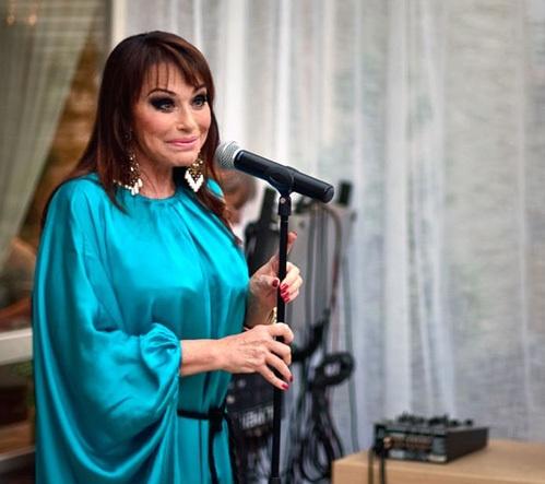 Ирина Понаровская настолько изменилась, что ее с трудом можно узнать (фото из блога Станислава САДАЛЬСКОГО)