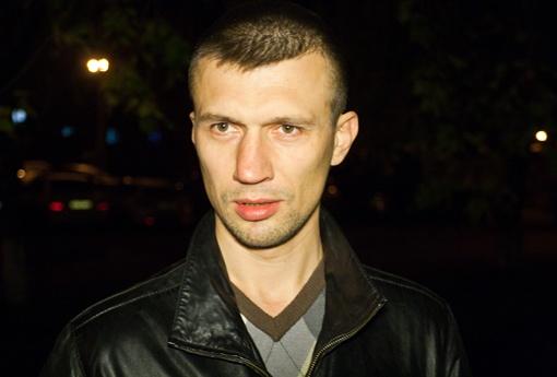 Андрей первым обнаружил труп с паспортом на имя Ярослава Мазурка и хочет получить свои 100 тысяч вознаграждения. Автор фото Артем Слипачук