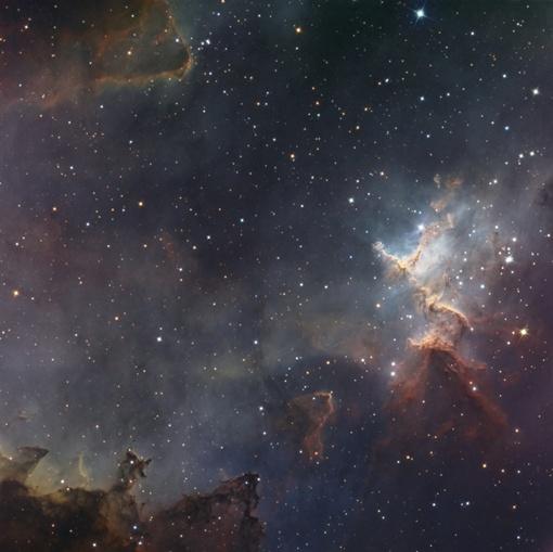 В самом сердце эмиссионной туманности IC 1805 располагается рассеянное звездное скопление. Снимок НАСА.