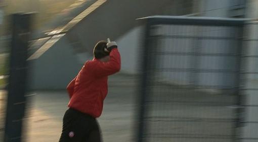 Воронин показал средний палец журналистам после тренировки