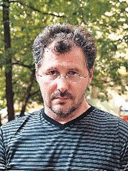 Доктор Константинов последние несколько лет был неразлучен с певицей и готовил ее к большому концертному туру.