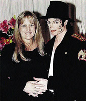 Майкл с бывшей супругой Дебби Роу, матерью его детей.