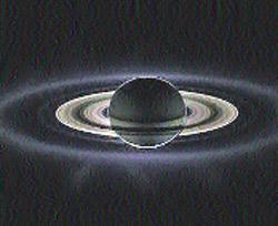 Черные дыры, вылетающие из коллайдера, могут быть похожими на крошечные сатурны.