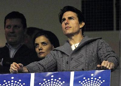 В день рождения Тома вся семья отправилась на футбольный матч. Фото: socialitelife.celebuzz.com.