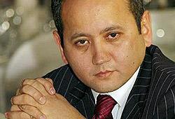 Мухтар Аблязов занимал должность экс-главы казахского «БТА Банка», а теперь находится в международном розыске.