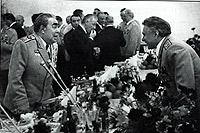 На застолье ЦК КПСС. Старые друзья Брежнев и Щелоков всегда находили темы для разговоров.