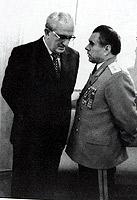 Редкий кадр середины 1970-х. Глава КГБ Андропов и министр МВД Щелоков враждовали долгие годы.