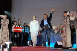 10. Вели церемонию Екатерина Стриженова и Алексей Дивеев-Церковный.