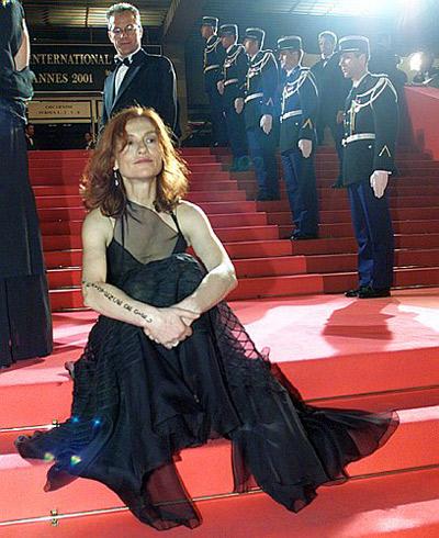 - Однажды я появилась на каннской лестнице в весьма вызывающем платье! Фото: REUTERS.