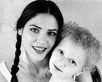 Детское фото Оксаны и ее сестры Натальи.