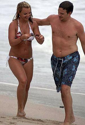 Певица серьезно влюбилась в Джейсона, и вся семья счастлива за нее. Фото: socialitelife.celebuzz.com.