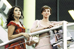 По сюжету героиня Димовой уводит мужа у подруги, которую сыграла Нелли Уварова.