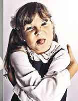 Вот такой Ира начала сниматься в сериале,сейчас девушке уже 16 лет.