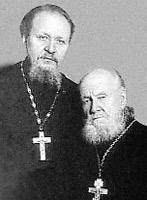 Отец патриарха Михаил (слева) и дед Василий Гундяевы тоже были священниками.