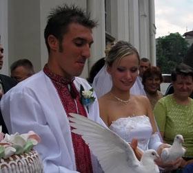 В августе исполнится три года со дня свадьбы Поповича и его итальянской жены.