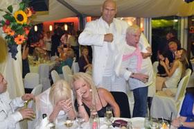 Николай Валуев и Боря Моисеев повеселили именитых гостей на вечернем банкете.