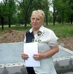 Алла Тазетдинова каждый год приезжает на место гибели мужа.