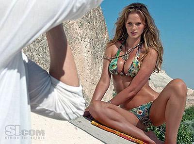 Анна Вялицына в спецвыпуске купальников Sports Illustrated-2009.